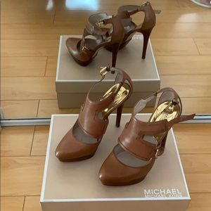 Michael Kors - Toni Platform in Chestnut leather